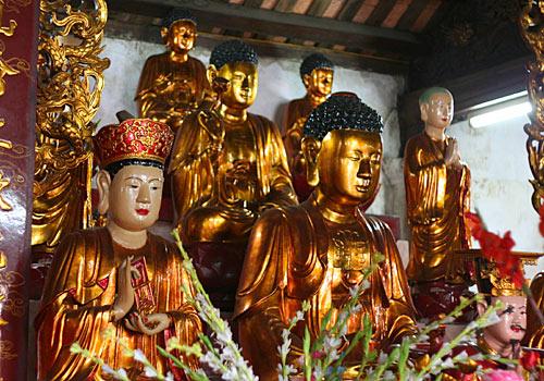 Buddha-Statuen